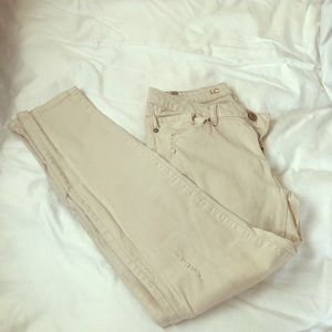LC Beige , slightly distressed jeans (8)